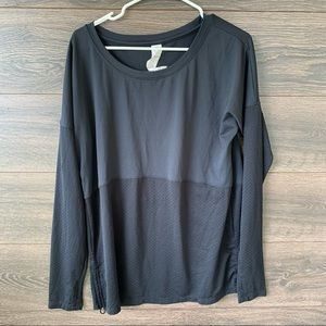 FABLETICS | Black Two Tone Ruched Long Sleeve Tee